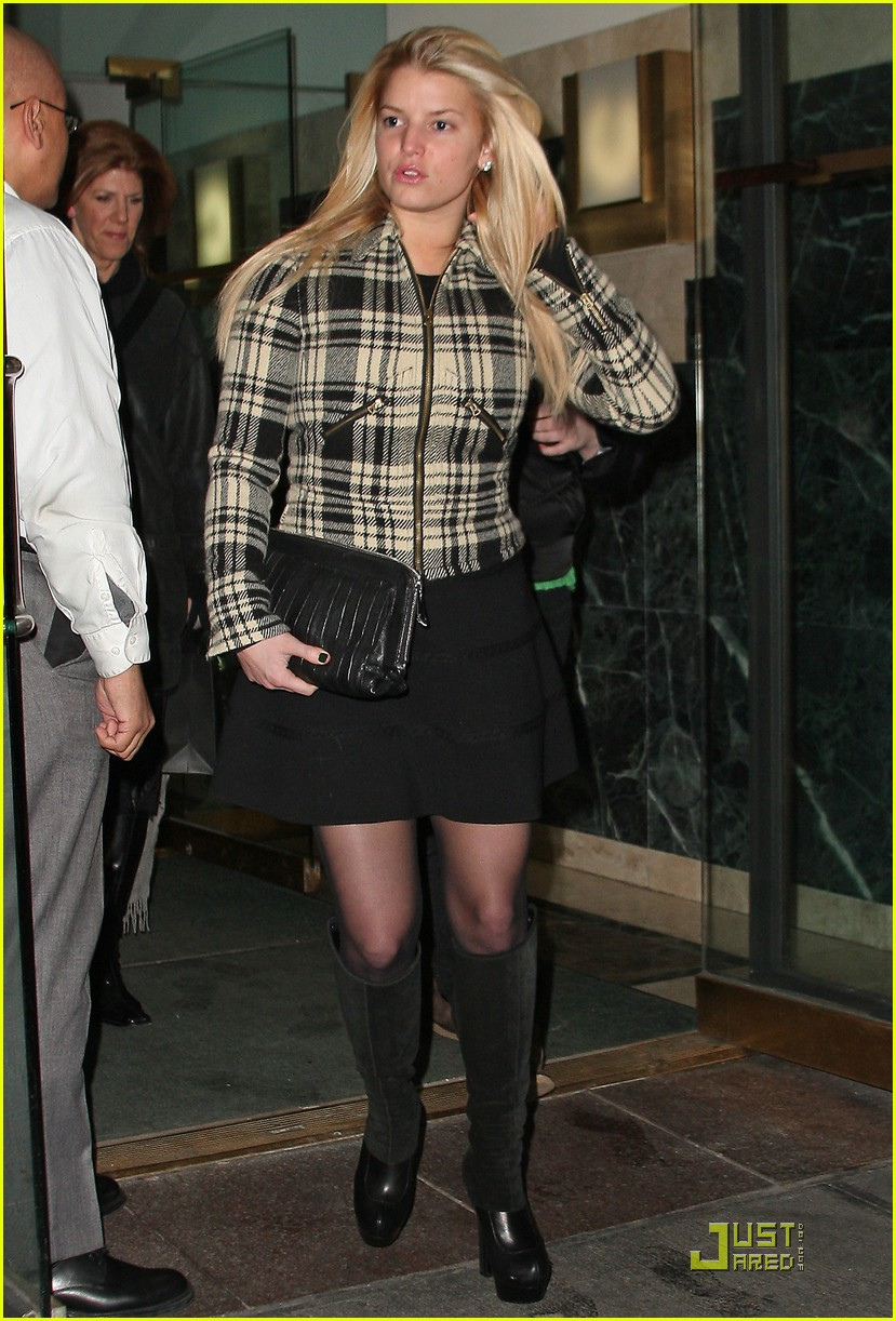 jessica simpson is pretty in plaid 16