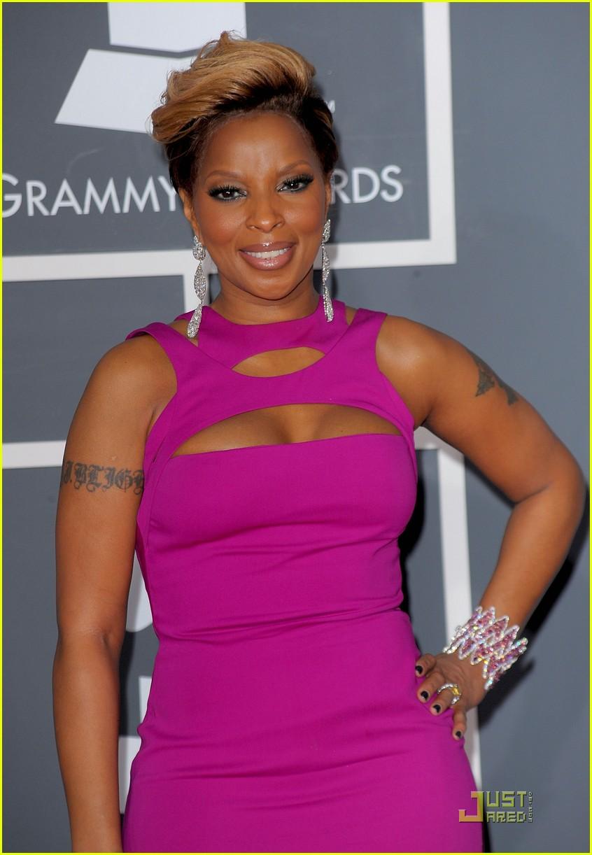 Mary J. Blige - Grammys 2010 Red Carpet: Photo 2413191 | 2010 Grammy ...