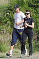 fergie josh duhamel canyon running couple 03