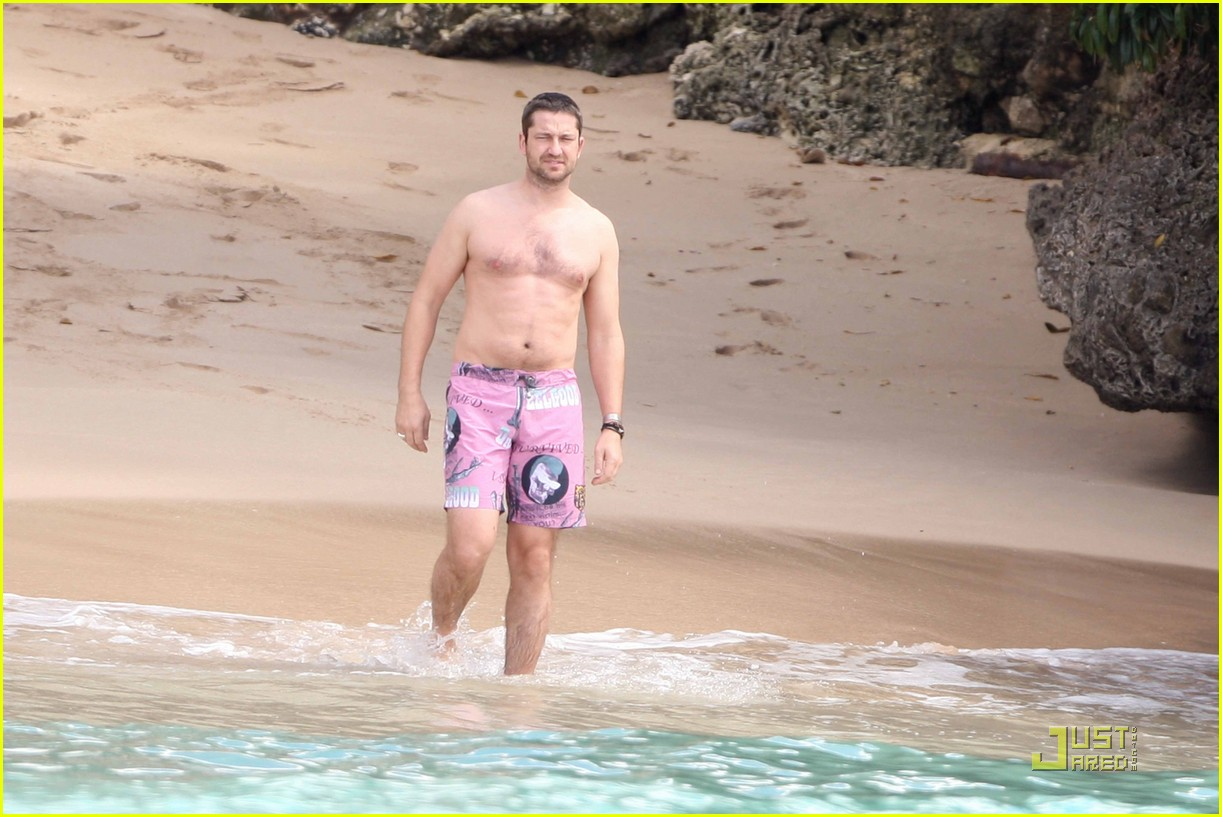 gerard butler shirtless barbados 082405775