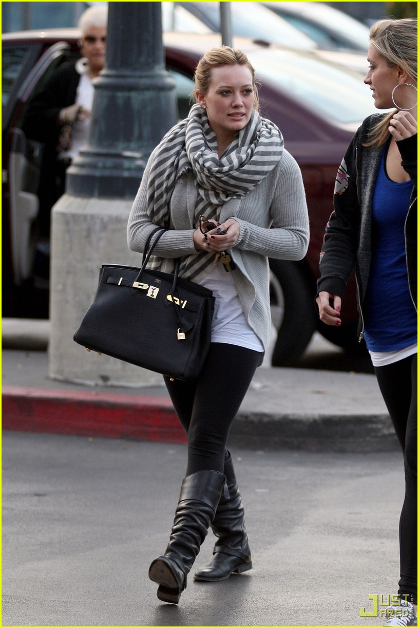 hilary duff lax airport ralphs 08