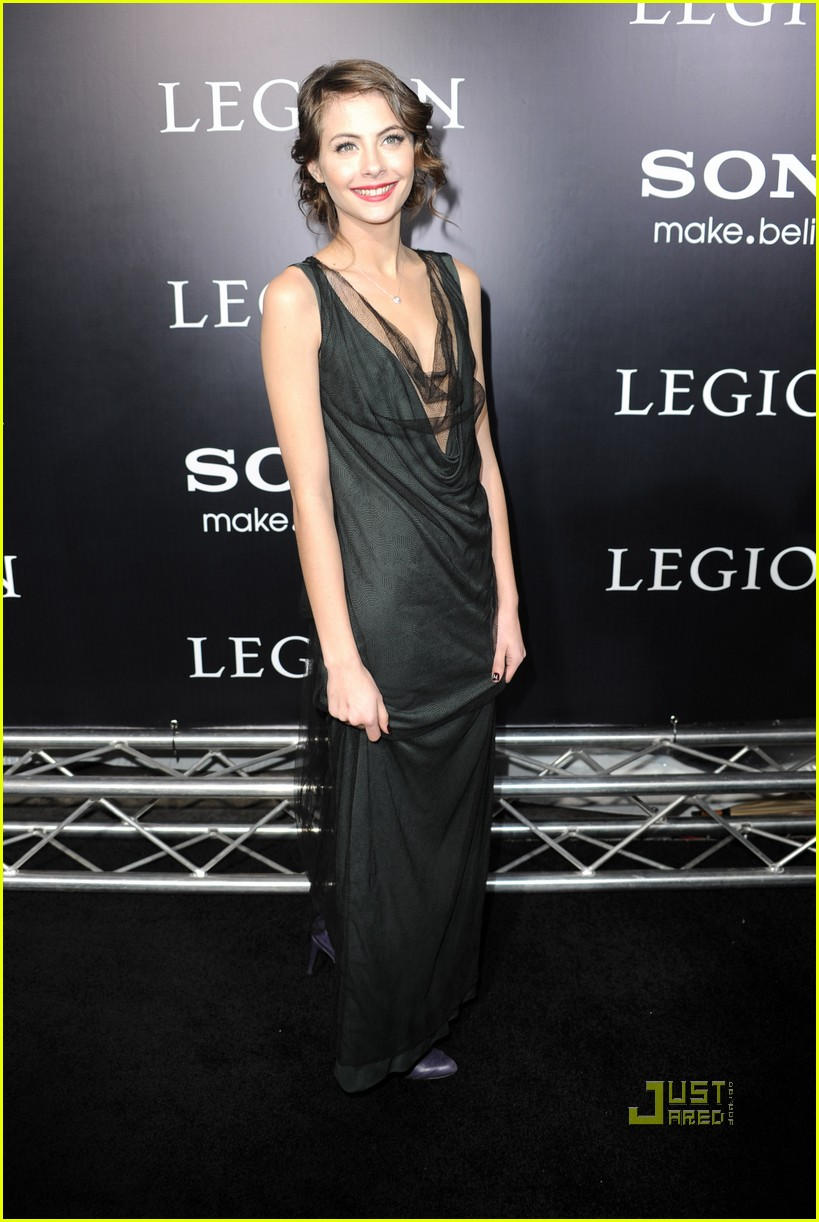 willa holland help haiti nails legion premiere 04
