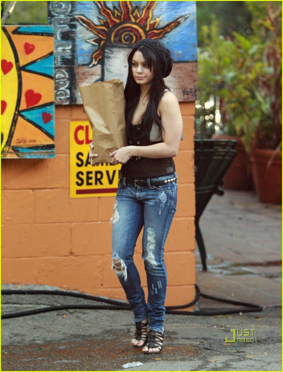 Sexy Pics Of Vanessa Hudgens