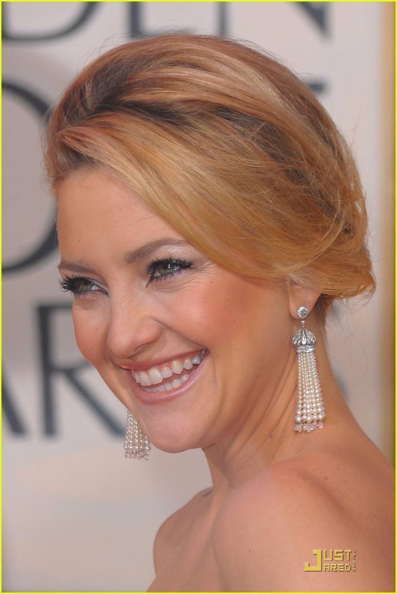 kate hudson golden globes 2010 20