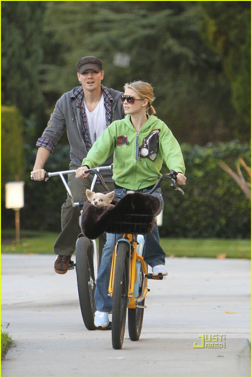 chad michael murray kenzie dalton biking 01