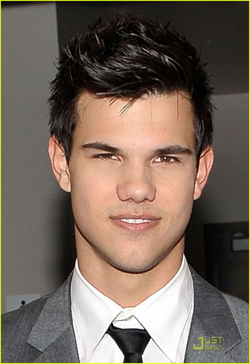 taylor lautner peoples choice 2010 01