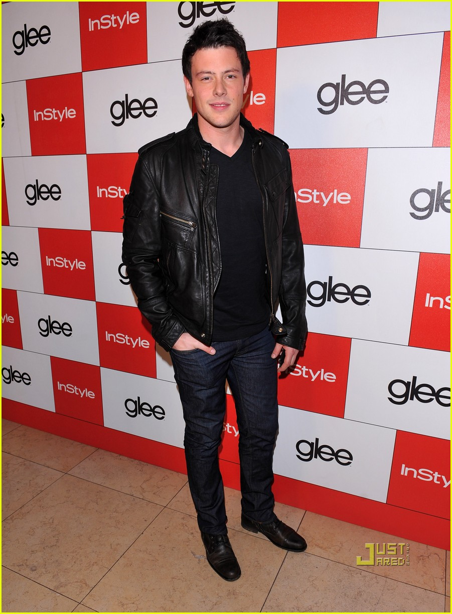 lea michele cory monteith glee picked up second season 01