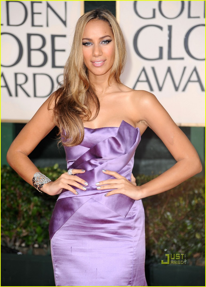 leona lewis 2010 golden globes red carpet 01
