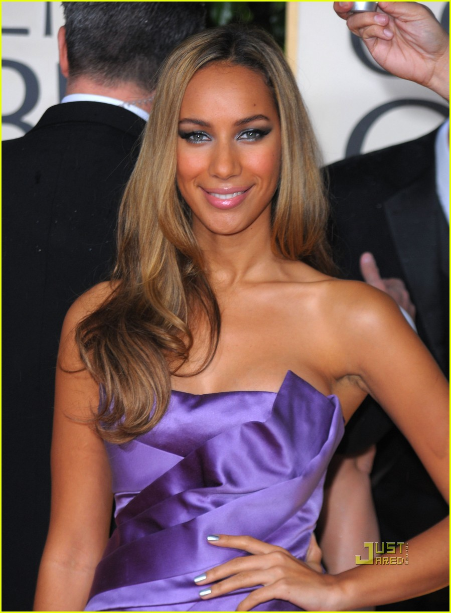 leona lewis 2010 golden globes red carpet 032409137
