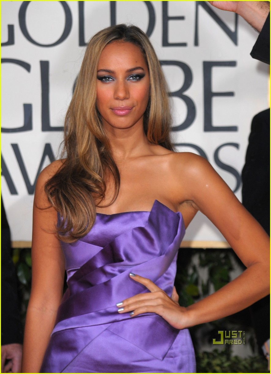 leona lewis 2010 golden globes red carpet 05