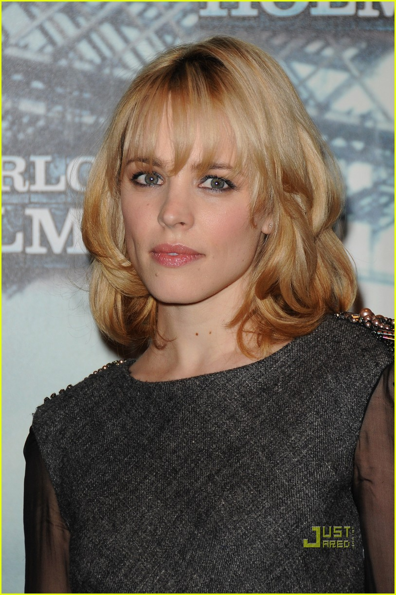 rachel mcadams paris photocall sherlock holmes 01