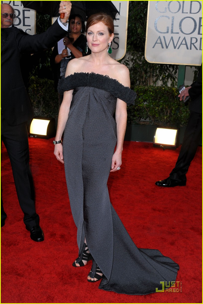 julianne moore golden globes 2010 072409156