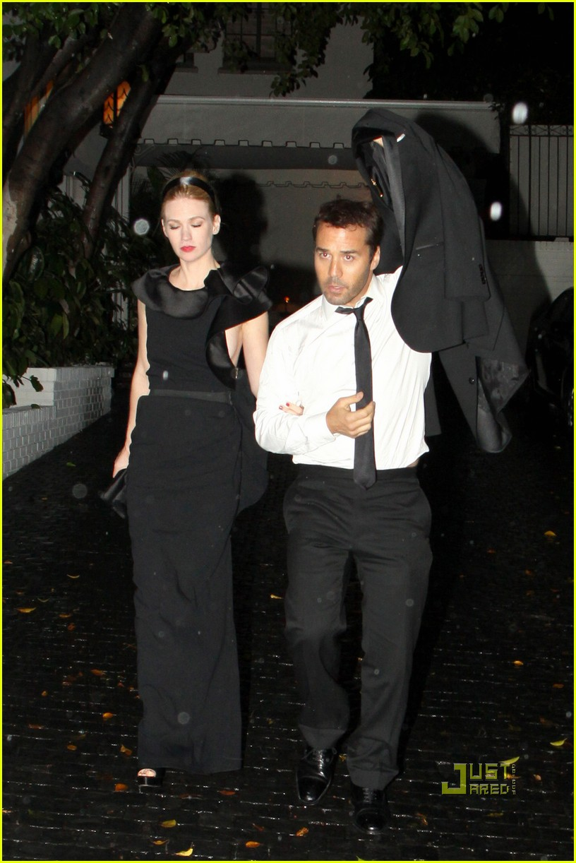 jeremy piven january jones after 2010 golden globes arm in arm 032410065
