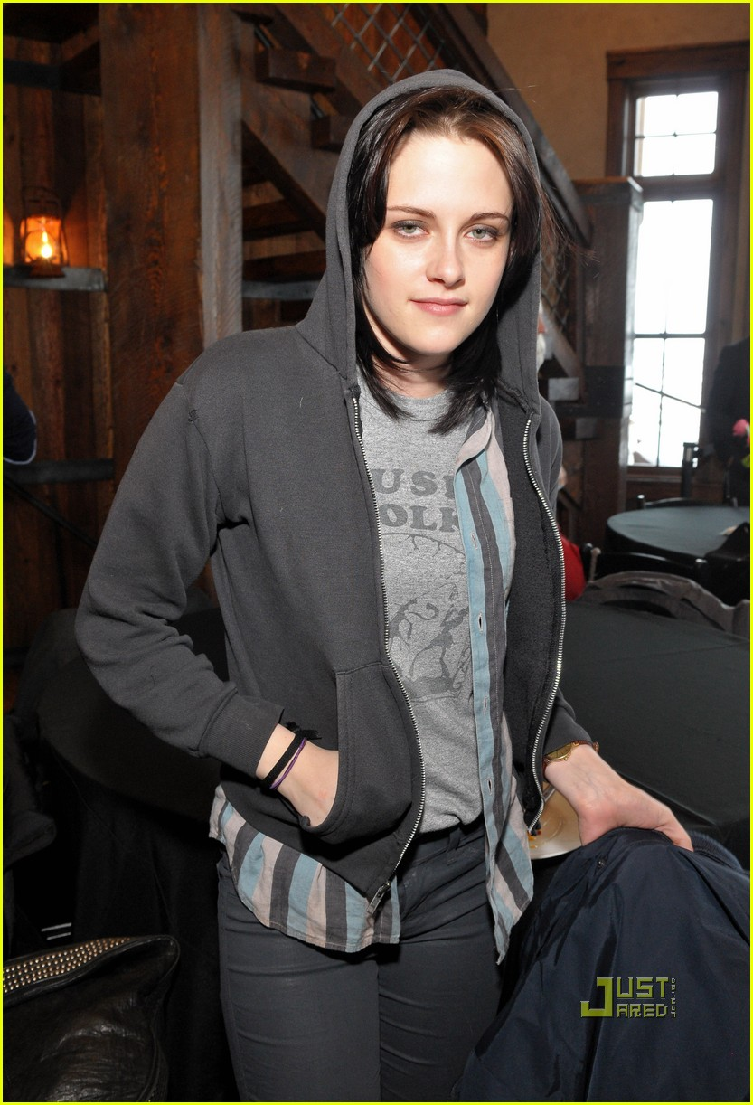 kristen stewart dakota fanning runaways premiere sundance 02