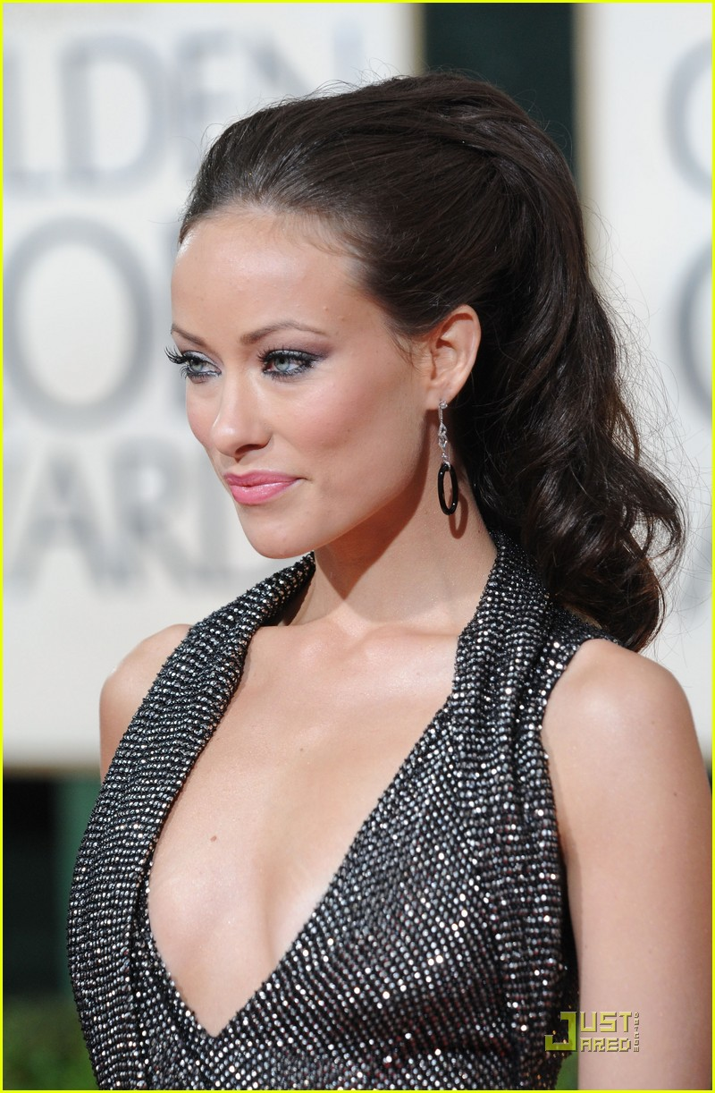 olivia wilde 2010 golden globe awards red carpet 05