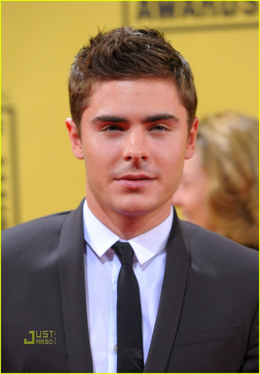 zac efron critics choice awards 2010 02