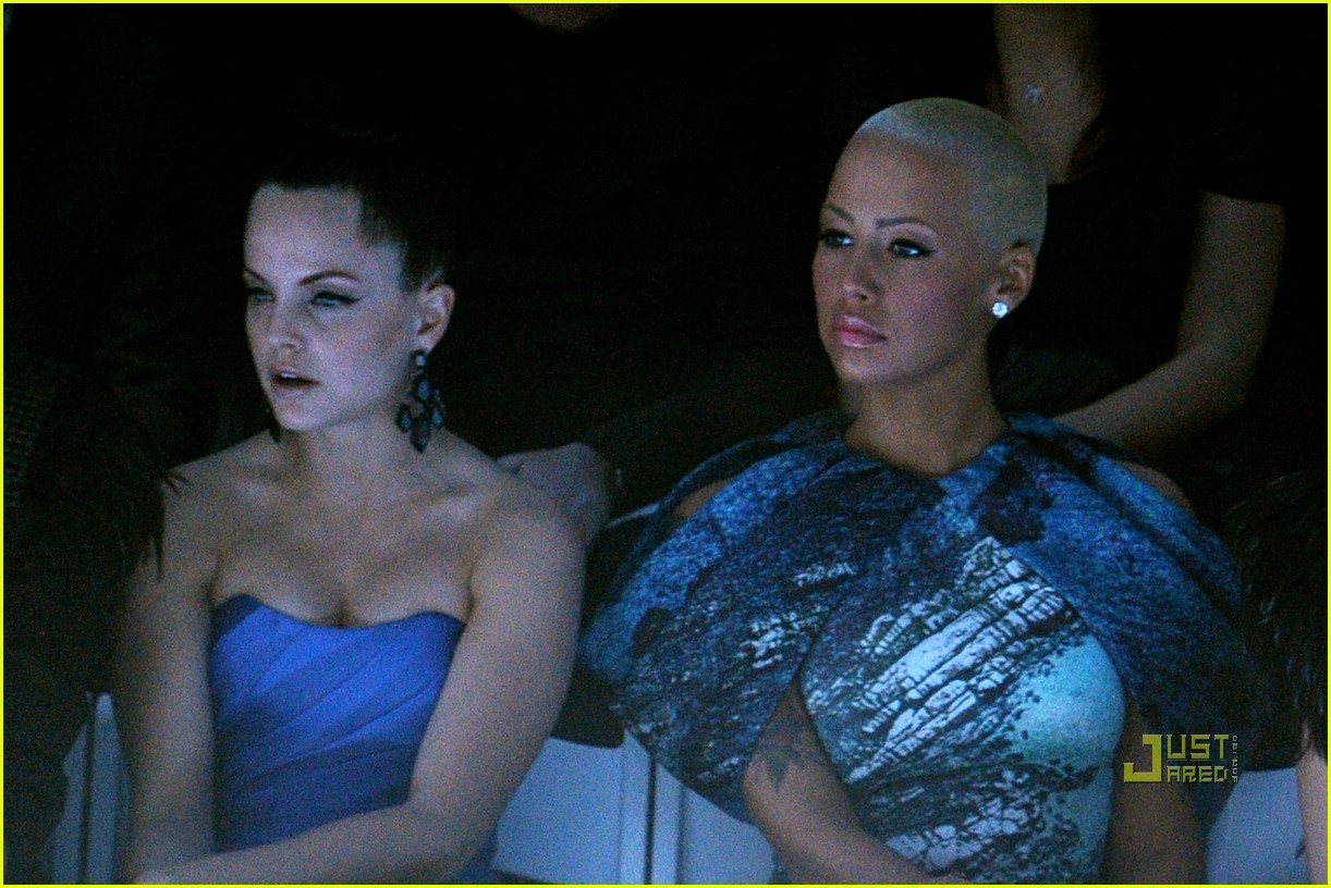 amber rose christian siriano new york fashion week 17