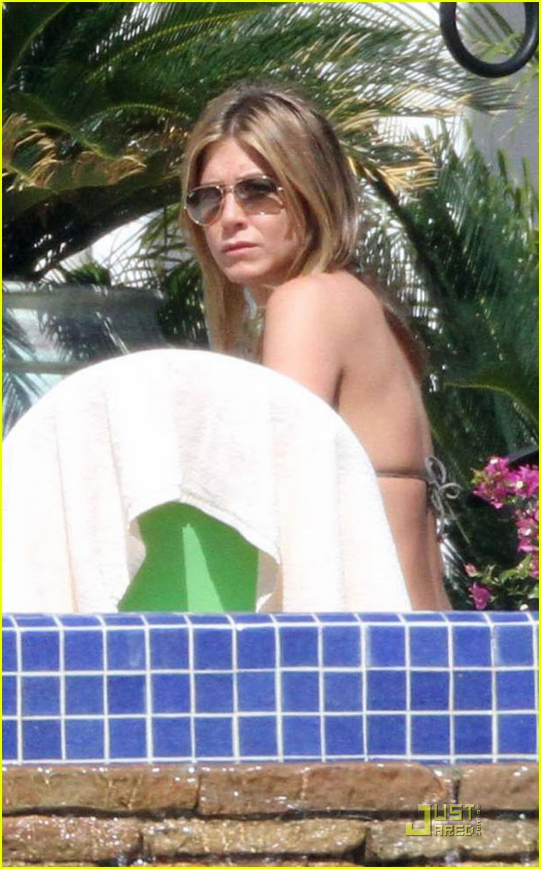 jennifer aniston cabo bikini 01