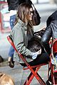 rachel bilson eating in the rain 08