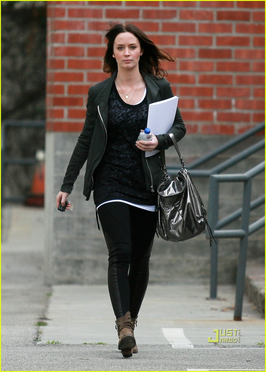 emily blunt 27th birthday work out meeting 09