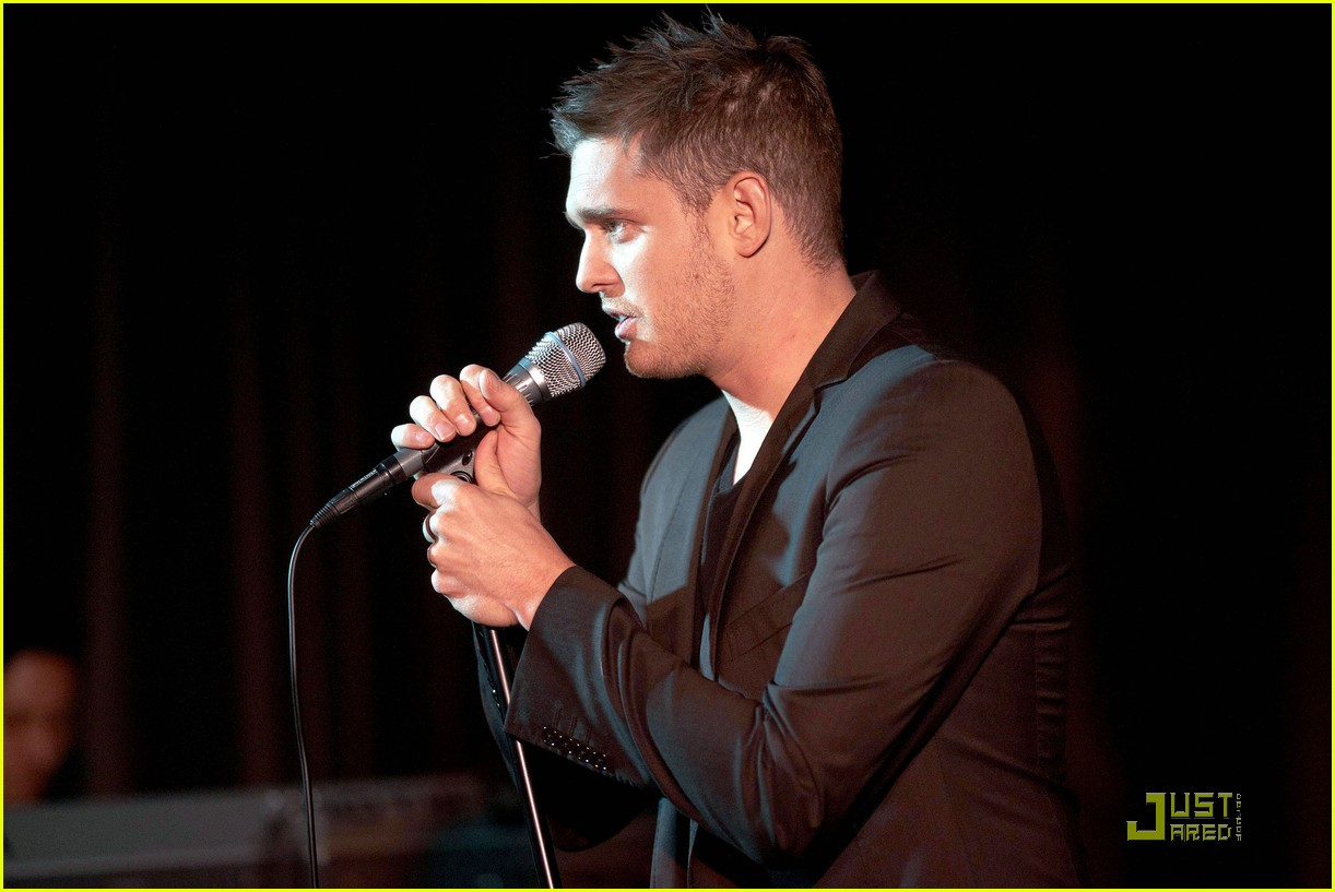 michael buble is a polished performer 042424821