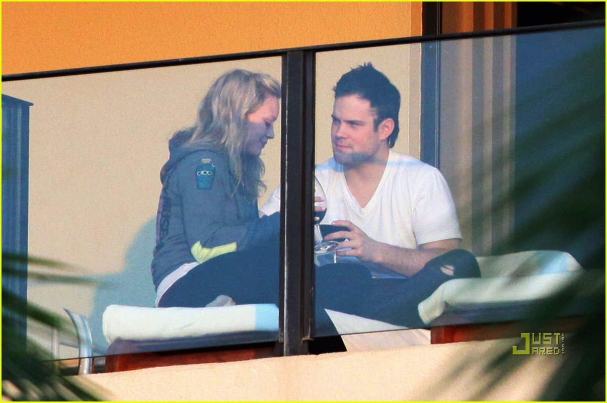 hilary duff mike comrie proposal hawaii 042429445