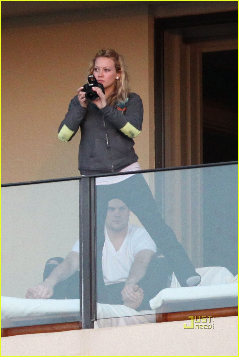 hilary duff mike comrie proposal hawaii 05