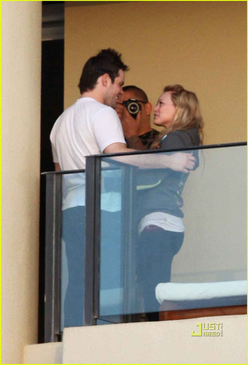 hilary duff mike comrie proposal hawaii 09