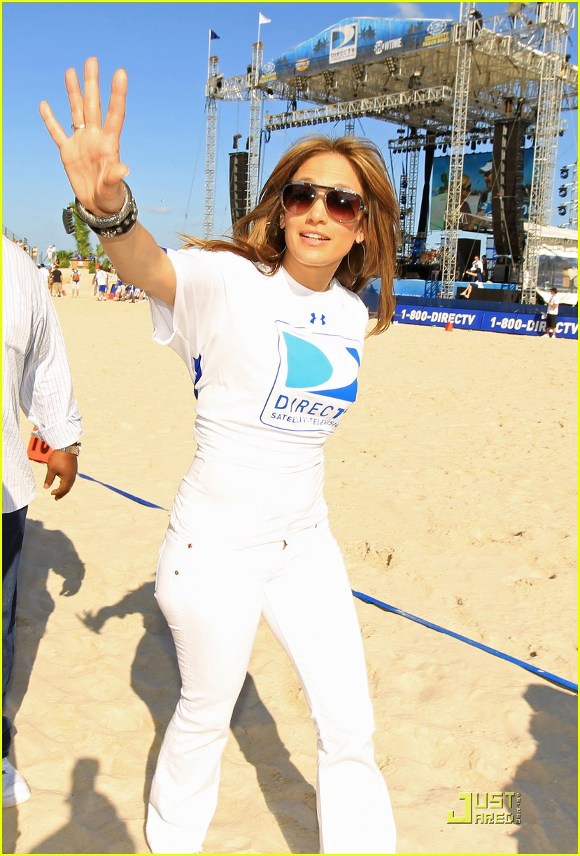 jennifer lopez directv celebrity beach bowl 04