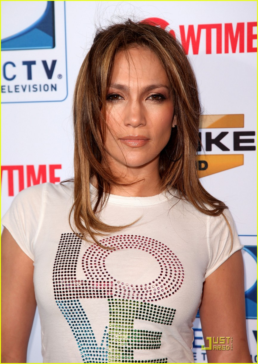 jennifer lopez directv celebrity beach bowl 13