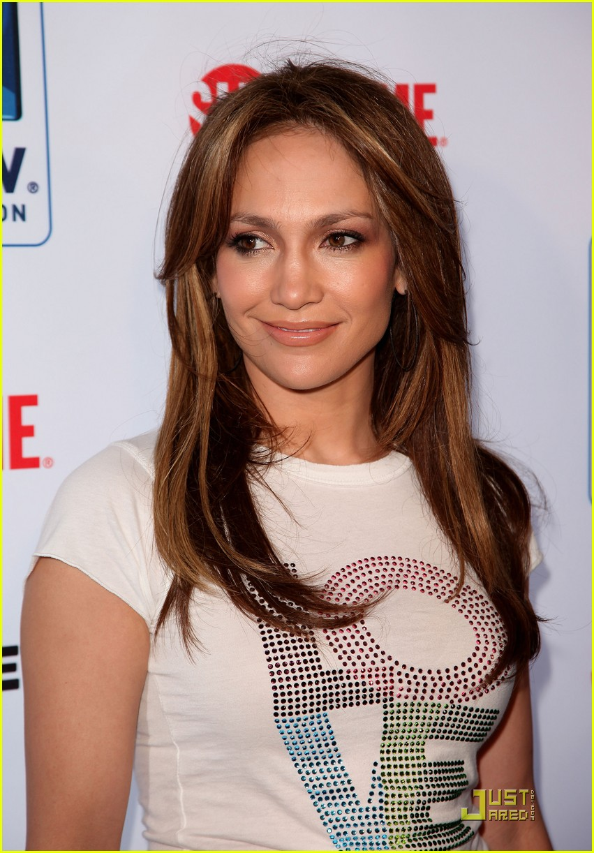 jennifer lopez directv celebrity beach bowl 14