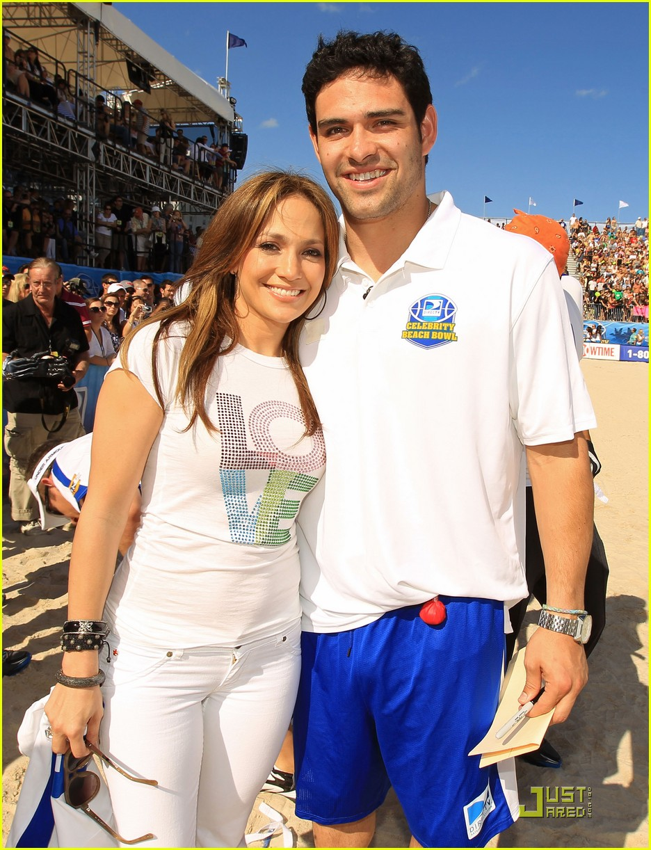 jennifer lopez directv celebrity beach bowl 192425946