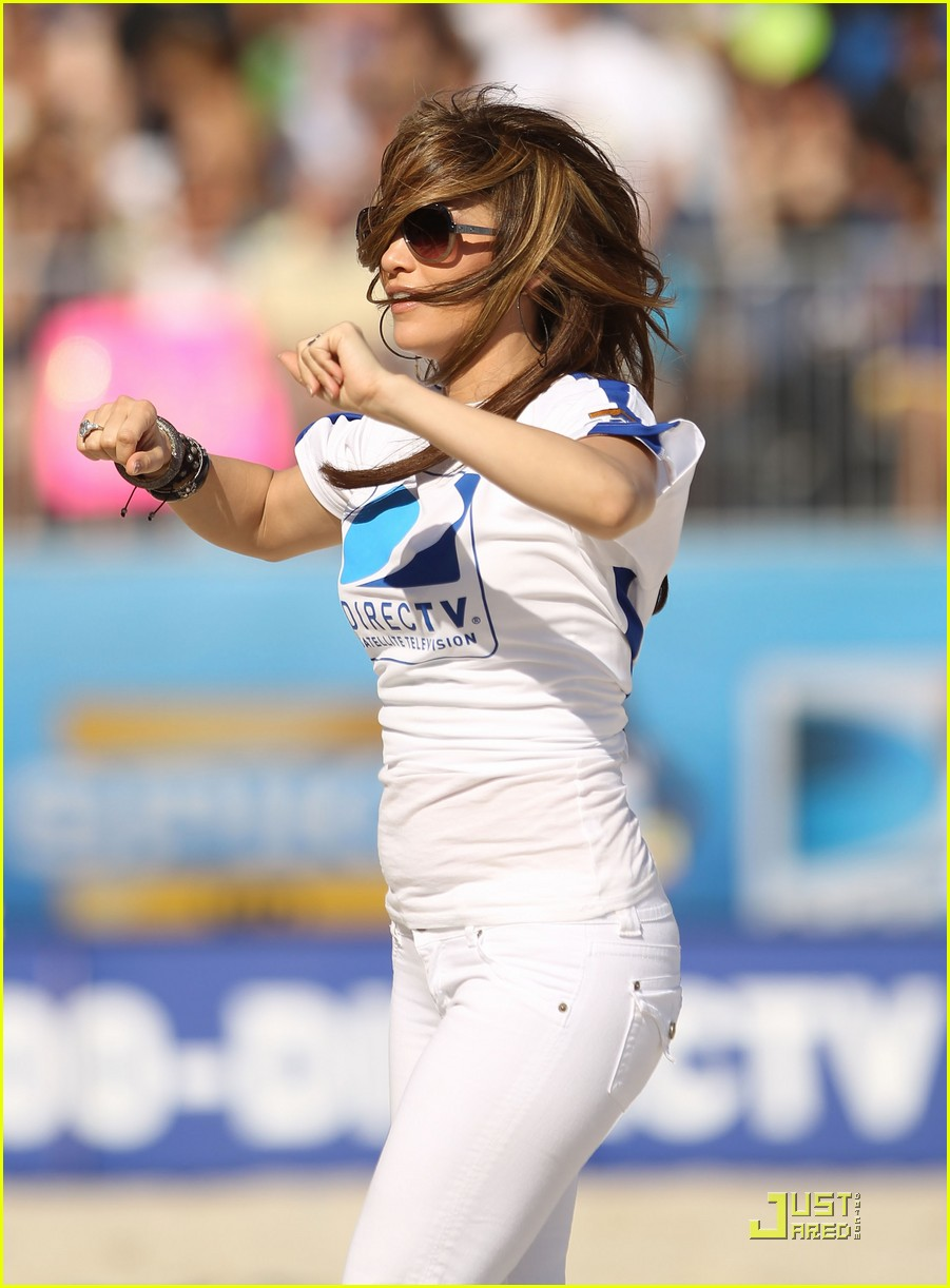 jennifer lopez directv celebrity beach bowl 21