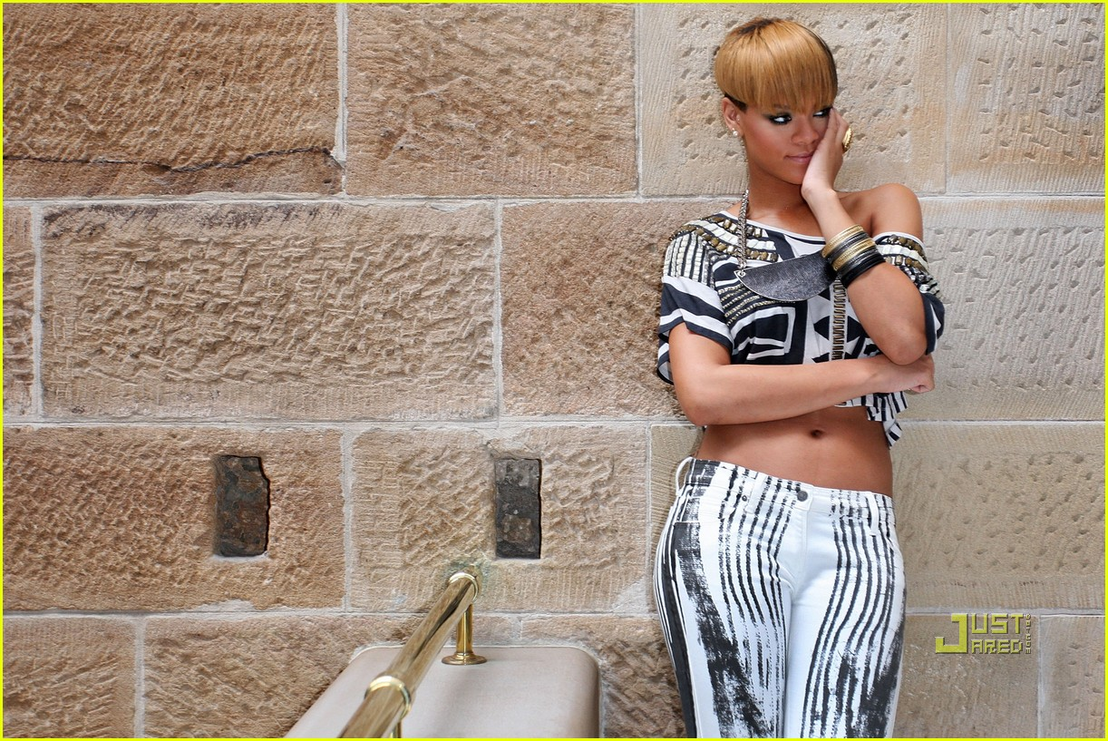 Rihanna Valentine S Day In Australia Photo 2427474