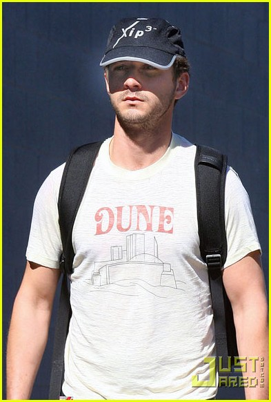 shia labeouf dune shirt gym 022426882