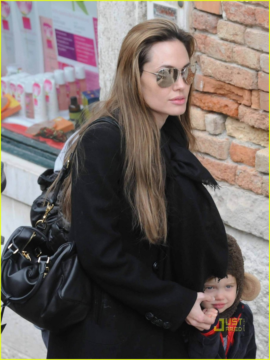 shiloh jolie pitt monkey ears 20
