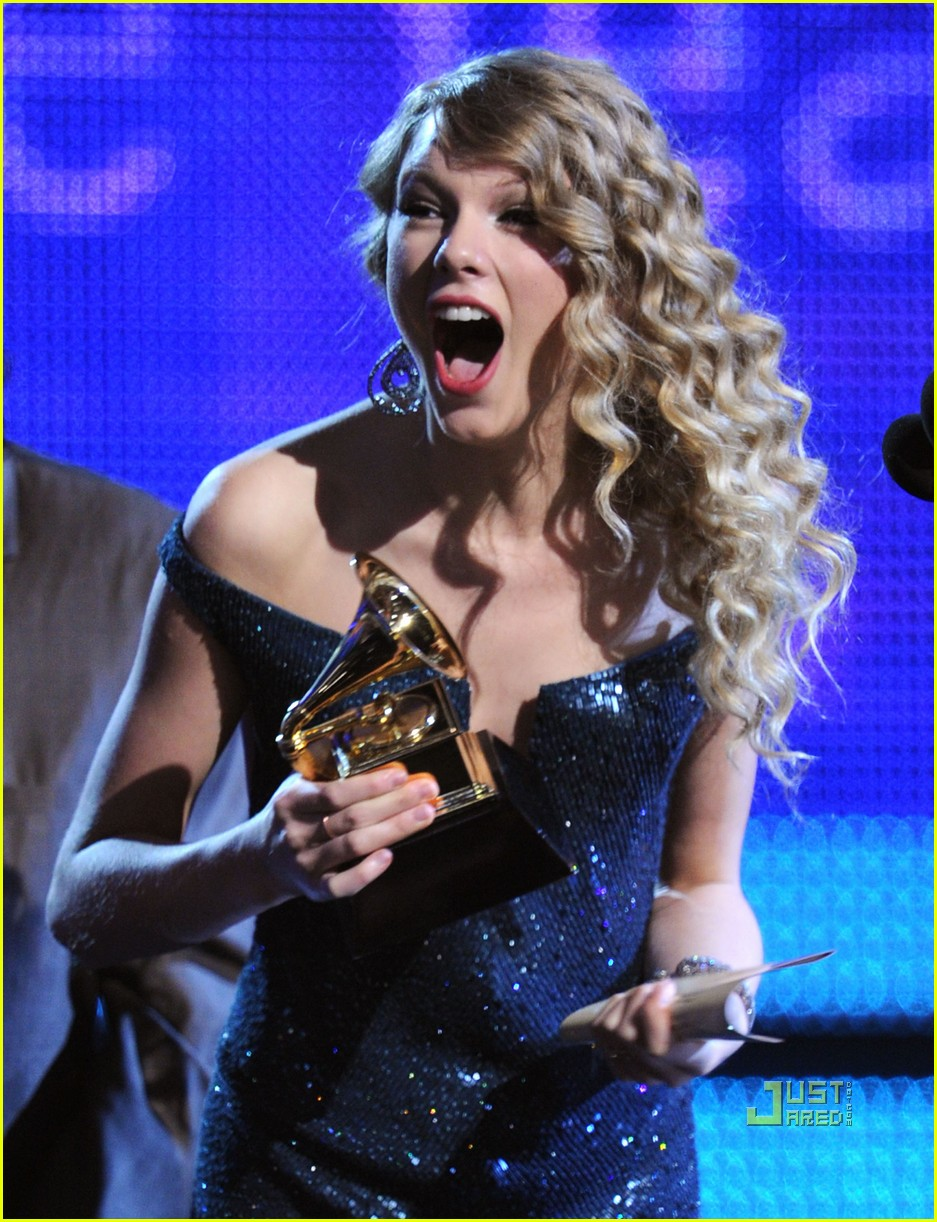 taylor swift fearless wins album of the year grammy 08