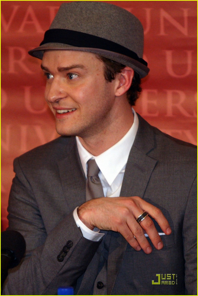 justin timberlake hasty pudding pot man of the year 252425761