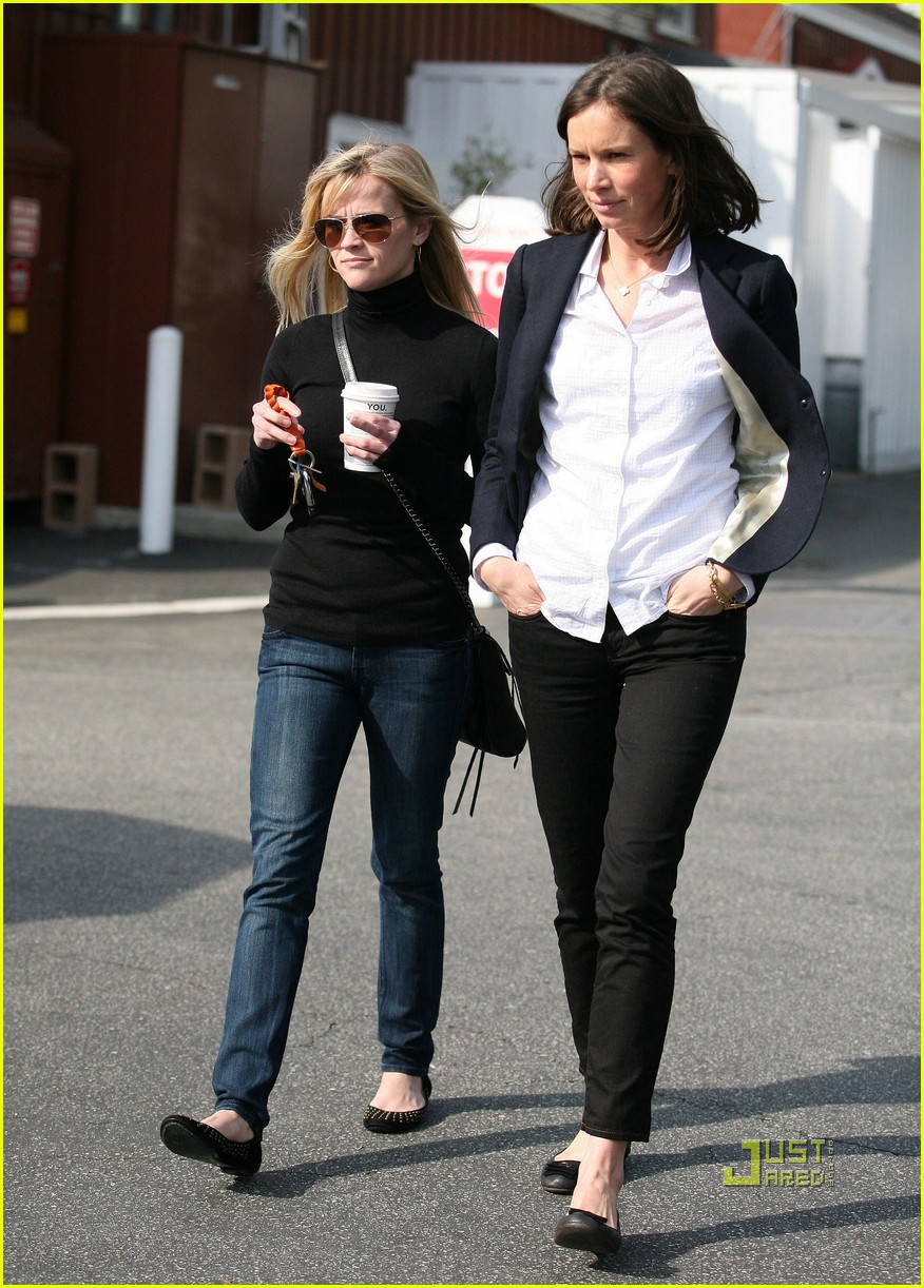 Reese Witherspoon Checks Out Furniture with a Friend Reese Witherspoon
