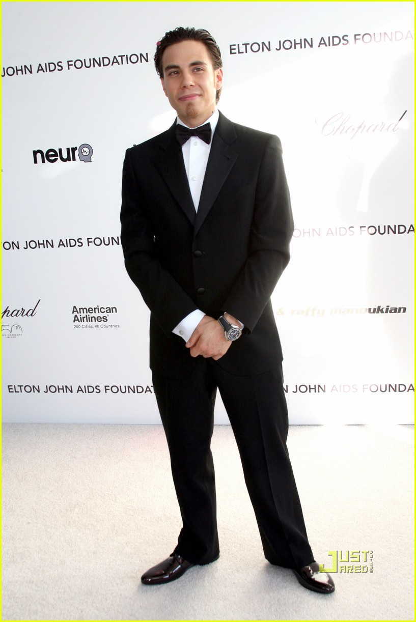 apolo ohno elton john oscar viewing party 042433396