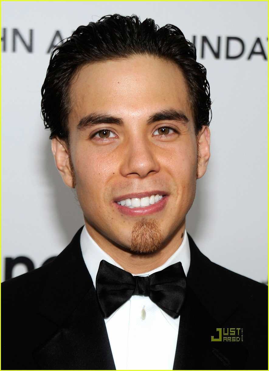 apolo ohno elton john oscar viewing party 052433397