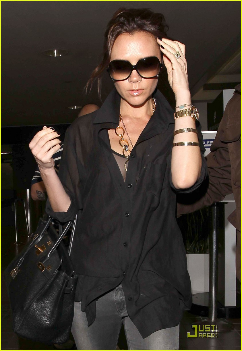 victoria beckham needs more time with her husband 02