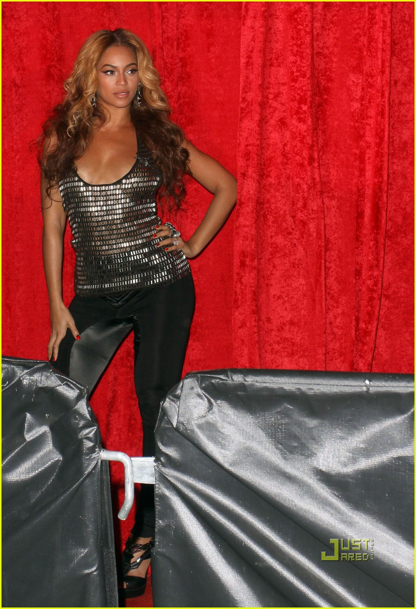 beyonce hits jay z 39 s concert after party photo 2431670 beyonce knowles jay z michelle. Black Bedroom Furniture Sets. Home Design Ideas