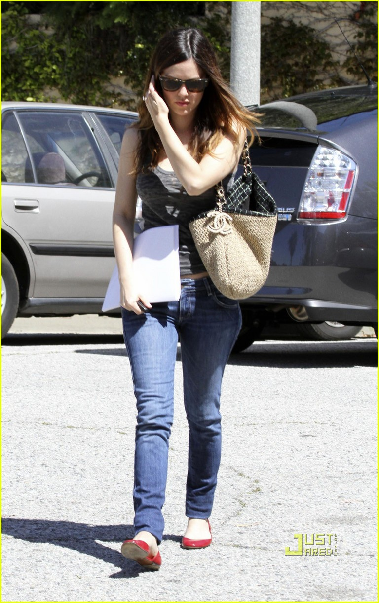 rachel bilson pregnancy rumors 06