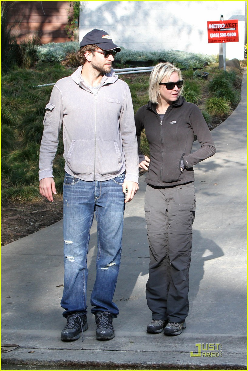 bradley cooper renee progress pair 01