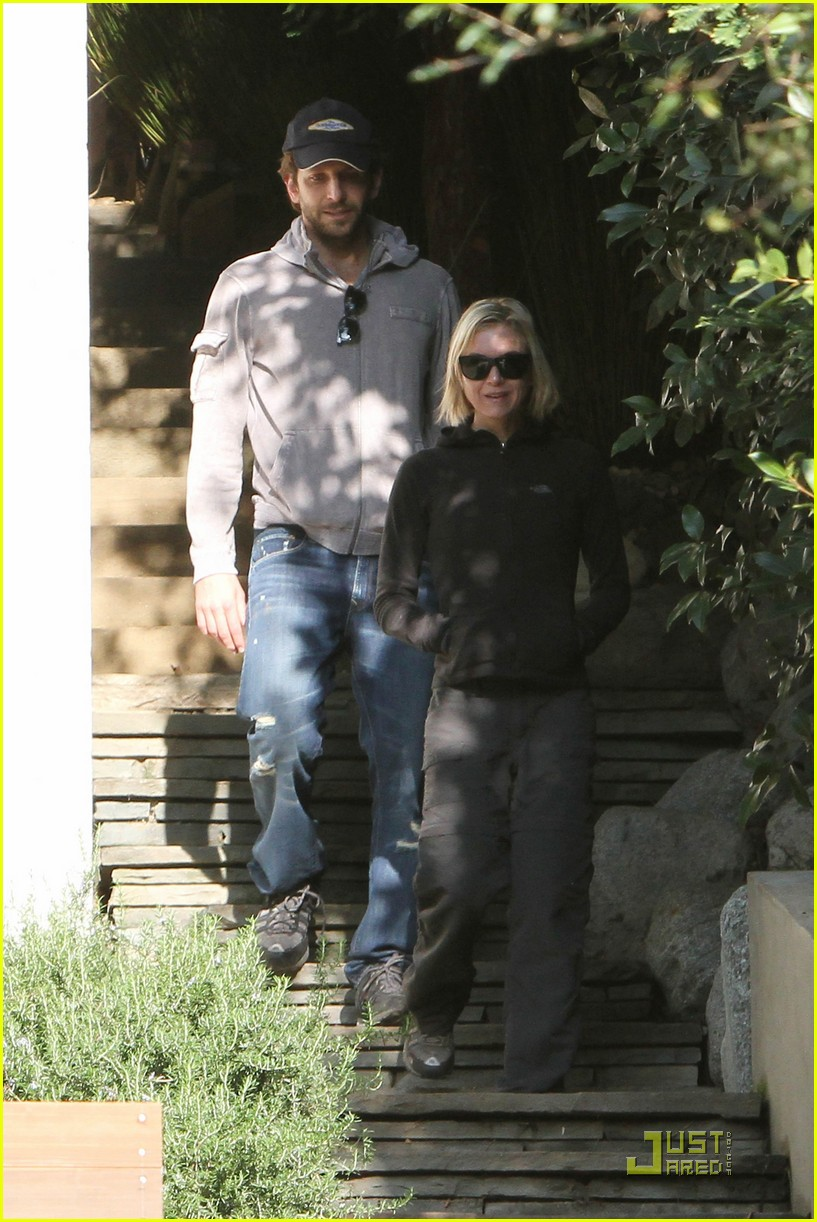 bradley cooper renee progress pair 03