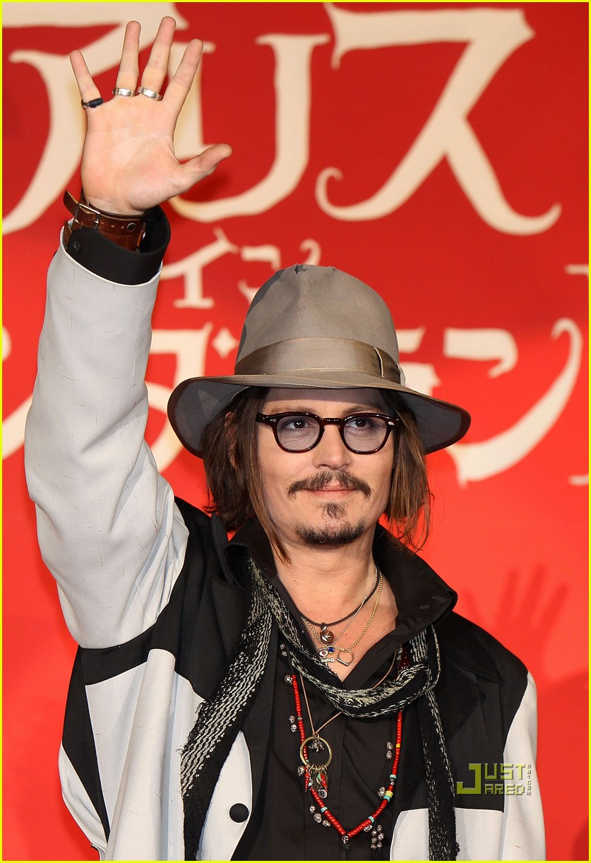 johnny depp alice in wonderland japan premire 012436423
