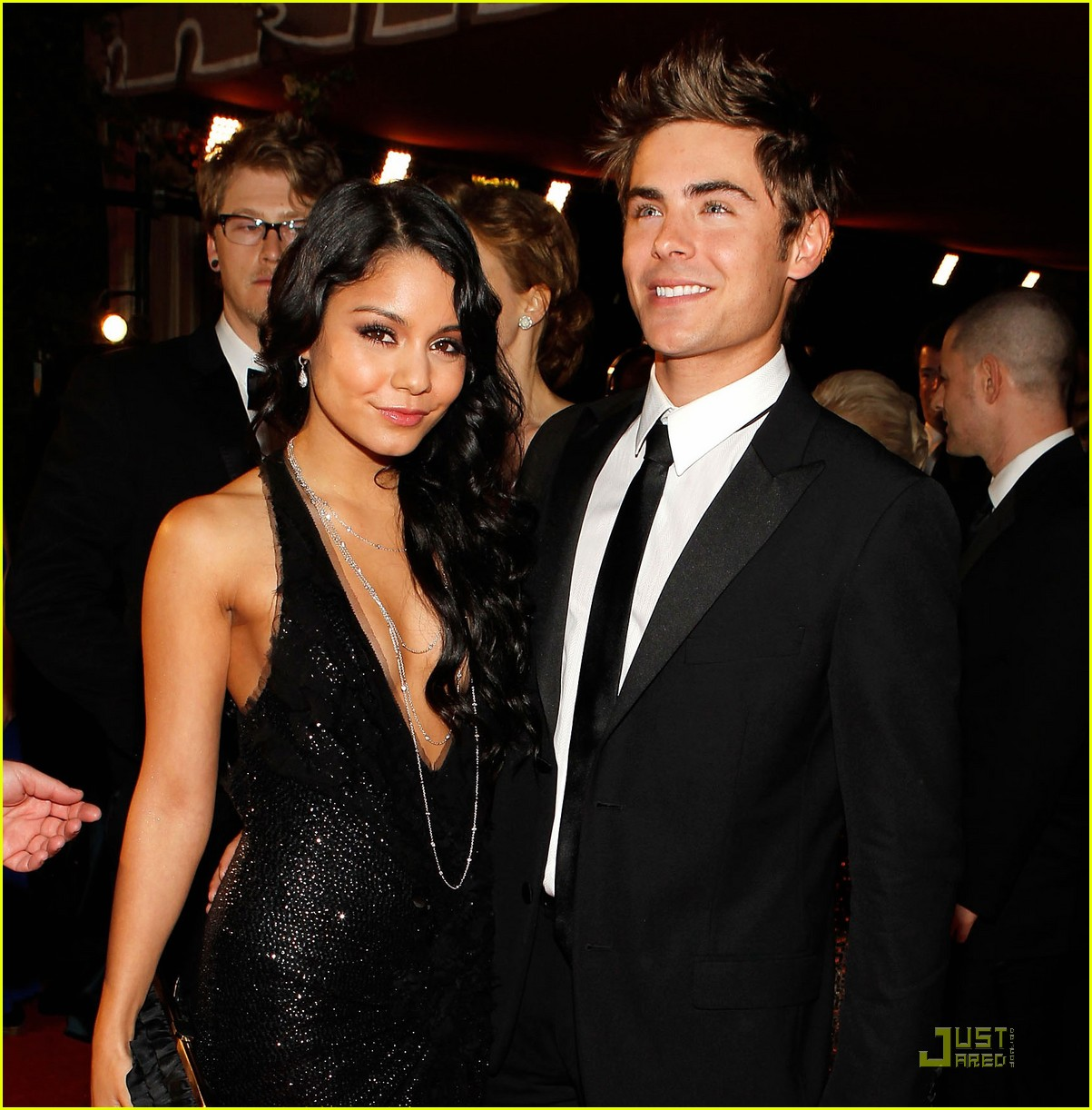is Vanessa Hudgens And Zac Efron Engaged 2010 Zac Efron Vanessa Hudgens