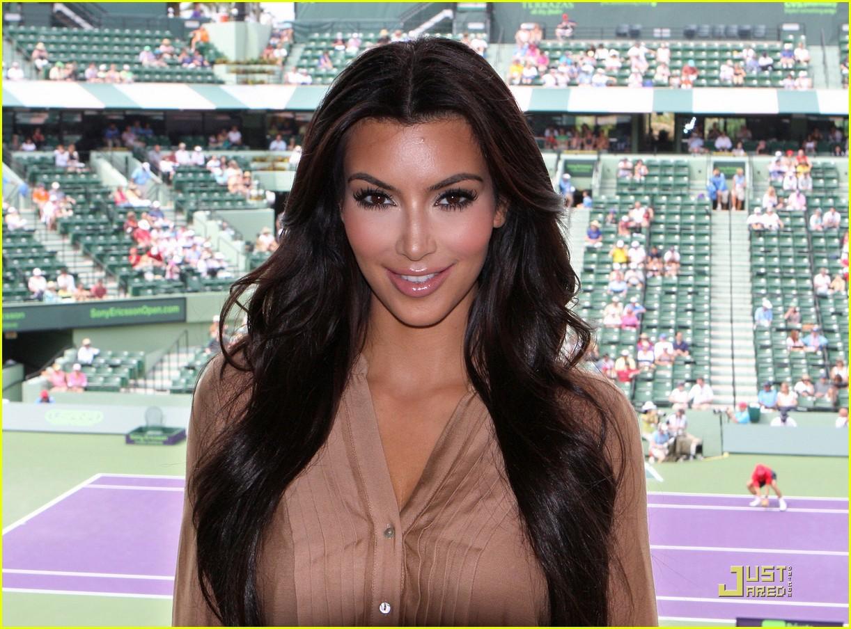 roger federer kim kardashian coin flip 02
