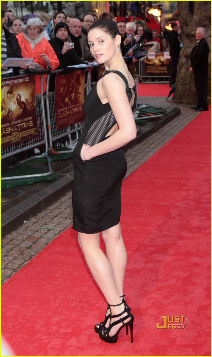 sam worthington gemma arterton premiere 06